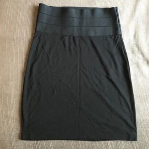 Fitted Black Skirt Mid length - Small